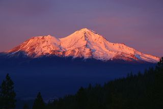 Mount-shasta-autumn-sunset
